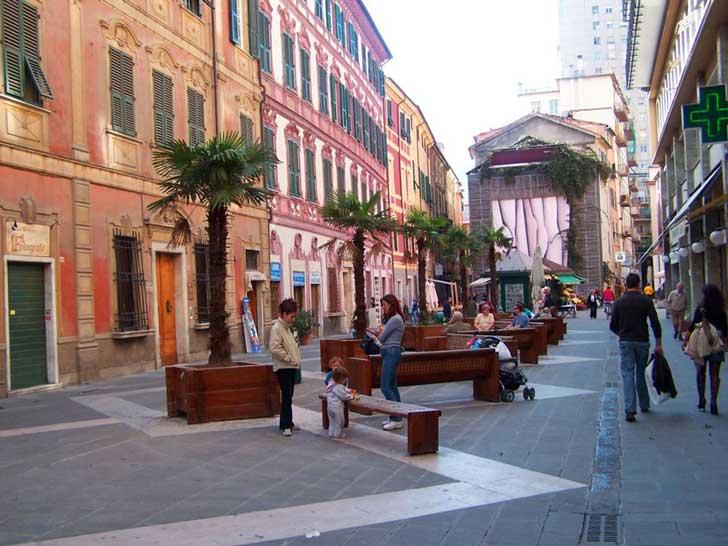 Alojarse en el centro de La Spezia
