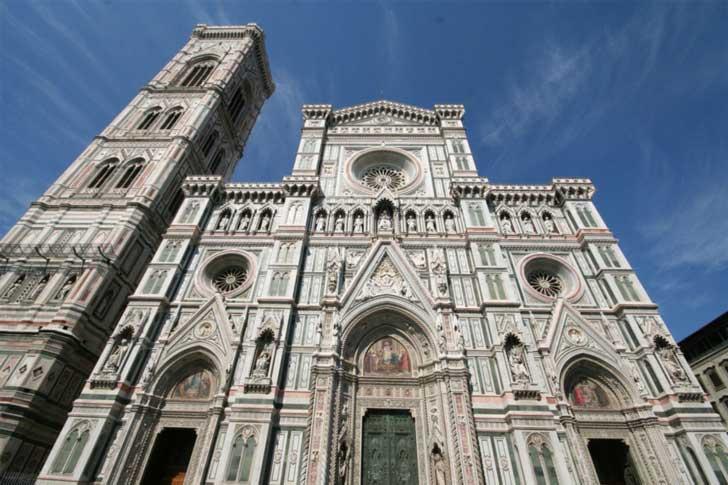 Fachada de la catedral