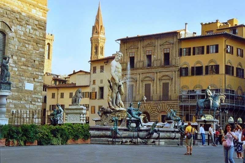 Centro Histórico de Florencia Plaza de la Señoría Fuente de Neptun Patrimonio de la Humanidad