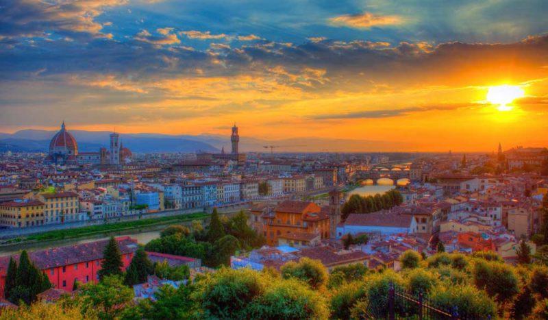 Ver Florencia desde el mirador de la Plaza de Miguel Ángel