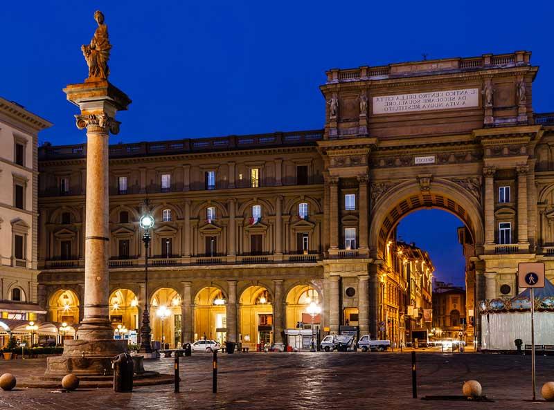 Visitar la Piazza della Repubblica